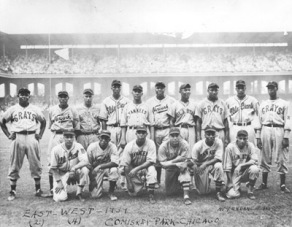 Standing: Buck Leonard, Willie Wells, Fernandes, Sammy Hughes, George Scales, Mules Suttles, Pat Patterson, Josh Gibson, Bill Wright, Roy Partlow. Kneeling: Bill Byrd, Leon Day, Bill Holland, Condo Lopez, Goose Curry, Red Parnell.